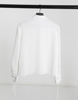 Pimkie ruched sleeve detail shirt in white