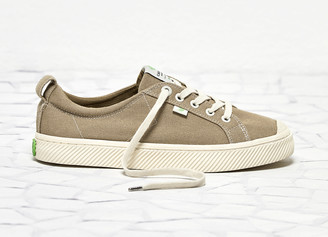 Cariuma OCA Low Washed Burn Sand Canvas Contrast Thread Sneaker Men