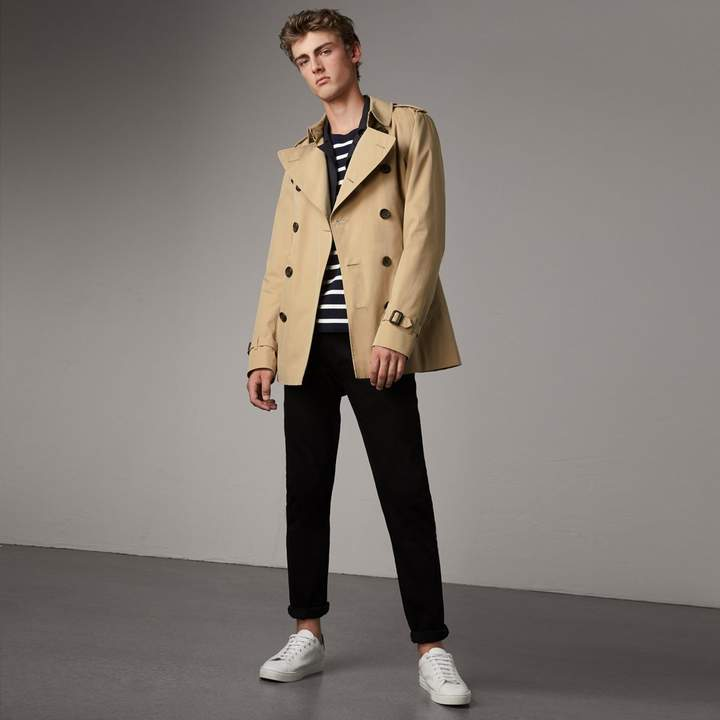 Burberry The Kensington - Short Trench Coat
