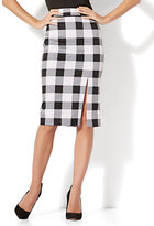 New York & Co. 7th Avenue - Front Slit Pencil Skirt - Modern - Gingham - Tall