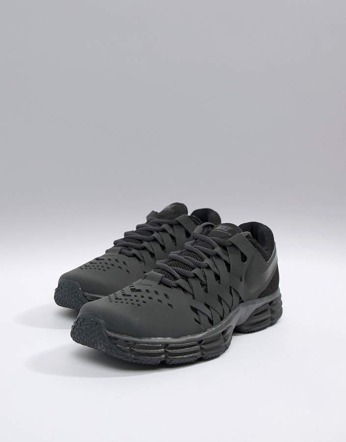 Nike Training Lunar fingertrap sneakers in black 898066-010