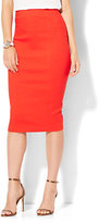 New York & Co. 7th Avenue Design Studio - Seamed Pencil Skirt - Runway Fit - Red