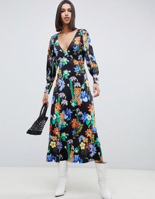 Asos Design DESIGN long sleeve v neck statement maxi dress in tiger print-Multi