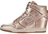 Nike Women's Dunk Sky Hi Cut Out Prm Casual Shoe 7.5 Women US