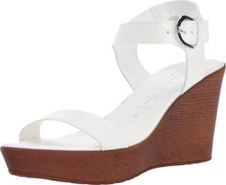Italian Shoemakers Women's 5688S7 Sandal