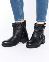 New Look Bouncer Boots