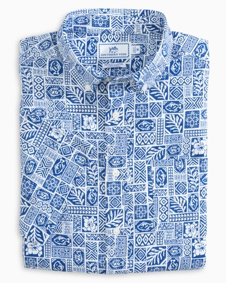 Southern Tide Island Print Performance Short Sleeve Button Down Shirt