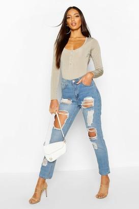 boohoo High Waist Distress Mom Jeans