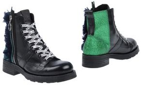 O.x.s. Ankle boots