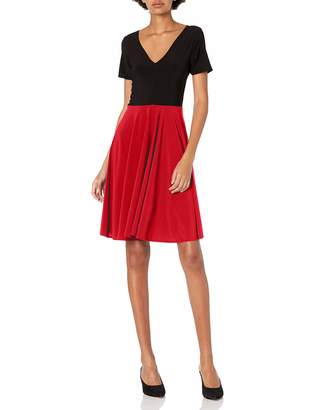 Star Vixen Women's Short Sleeve V-Neck Solid Bodice Print Skirt Short Dress with Curved Hemline