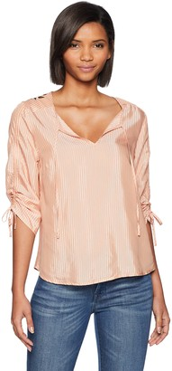 GUESS Women's Short Lynn EMBRODERIED Sleeve TOP