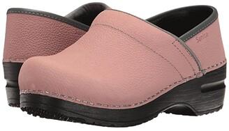 Sanita Signature Textured Oil Pro (Rose) Women's Clog Shoes