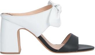 MISS UNIQUE Sandals