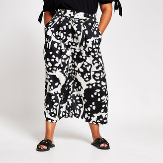 River Island Plus black printed tie detail culotte