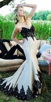 Mac Duggal Strapless Sweetheart Tiered Taffeta Evening Dress
