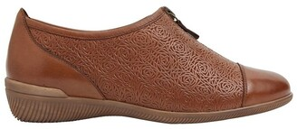 Wide Steps Wiley Cognac Glove Flat Shoes