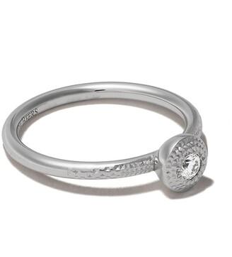 De Beers 18kt white gold Talisman round brilliant diamond ring