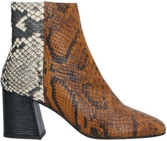 Freda Salvador Ankle boots