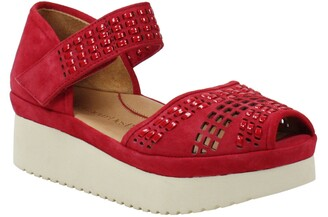 L'Amour des Pieds Amalsinda Wedge Sandal