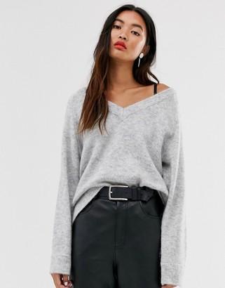 Selected oversized knitted v-neck jumper-Grey