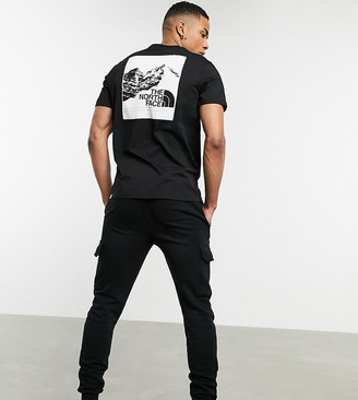 The North Face Mountain Graphic t-shirt in black Exclusive at ASOS