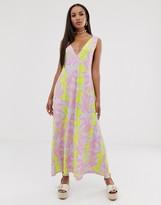 Asos Design DESIGN trapeze maxi dress in pink tie dye print