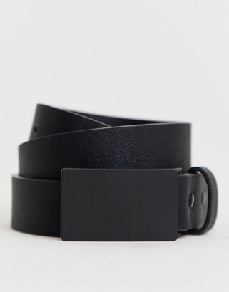 ASOS DESIGN faux leather skinny belt in black with matte black plate buckle