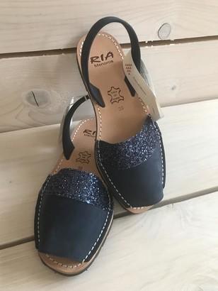 riA Leather Sandal - 39 / Blau