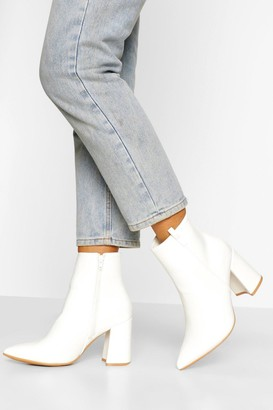 boohoo Wide Fit Pointed Block Heel Shoe Boot
