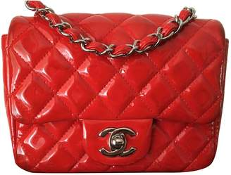 Chanel Timeless/Classique Red Patent leather Handbags