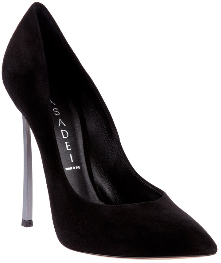 Casadei Stiletto detail pump