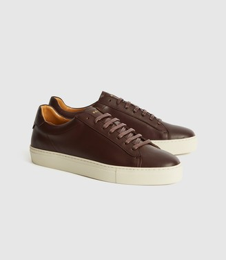 Reiss Finley - Leather Contrast Sole Trainers in Pomegranate