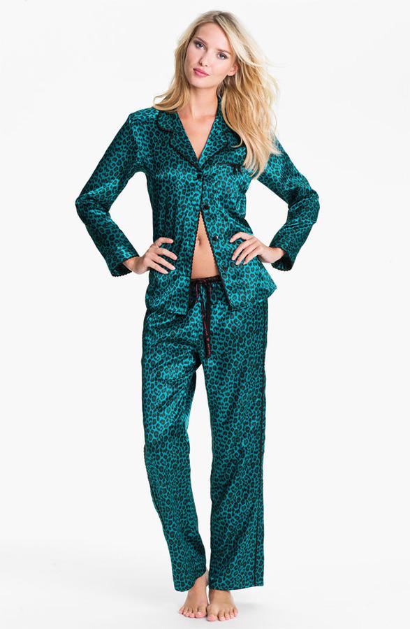 Betsey Johnson 'Cuddly Back Satin' Pajama Set