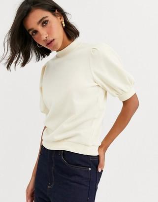 Vero Moda puff short sleeve sweatshirt-Cream
