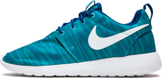 Nike WMNS Roshe One Shoes - 9.5W