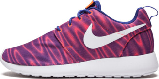 Nike WMNS Roshe One Shoes - 6.5W
