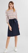 Esprit Flowing skirt w a tie-around belt