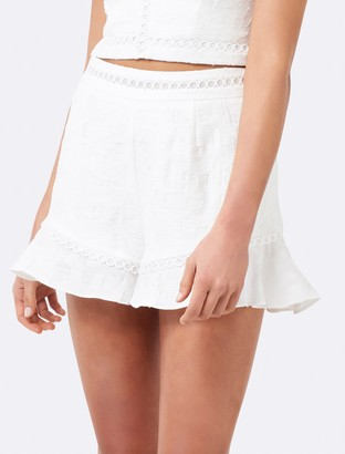 Forever New Lisa lace Co-ord shorts - White - 16