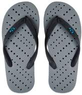Bed Bath & Beyond Unisex Medium Dotted AquaFlops Shower Shoes in Grey