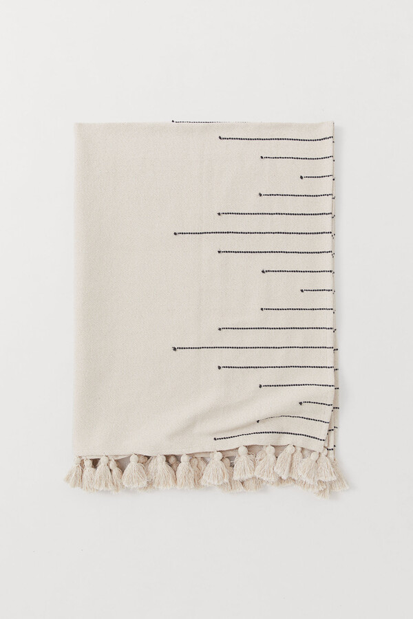 H&M Tasselled blanket