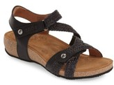 Taos Women's 'Trulie' Wedge Sandal