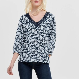 Jacqueline De Yong Embroidered V-Neck Blouse with 3/4 Length Sleeves