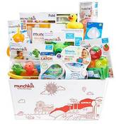 Munchkin KISSES Baby Bath and Feeding Baby Gift Set Basket
