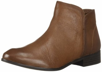 Sbicca Women's DANEY Chelsea Boot TAN 8.5 M US