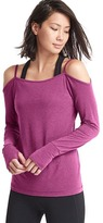 Gap GapFit Breathe off-shoulder ballet long sleeve tee