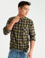 American Eagle Outfitters AE Plaid Hustle Shirt