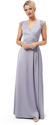 Review First Glance Maxi Dress