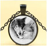 Darkey Wang Woman Fashion Jewelry Unique And White Double Wolf Gemstone Pendant Necklace (£