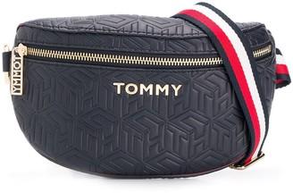 Tommy Hilfiger Quilted Saddle Belt Bag
