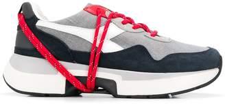 Diadora contrast lace low-top sneakers